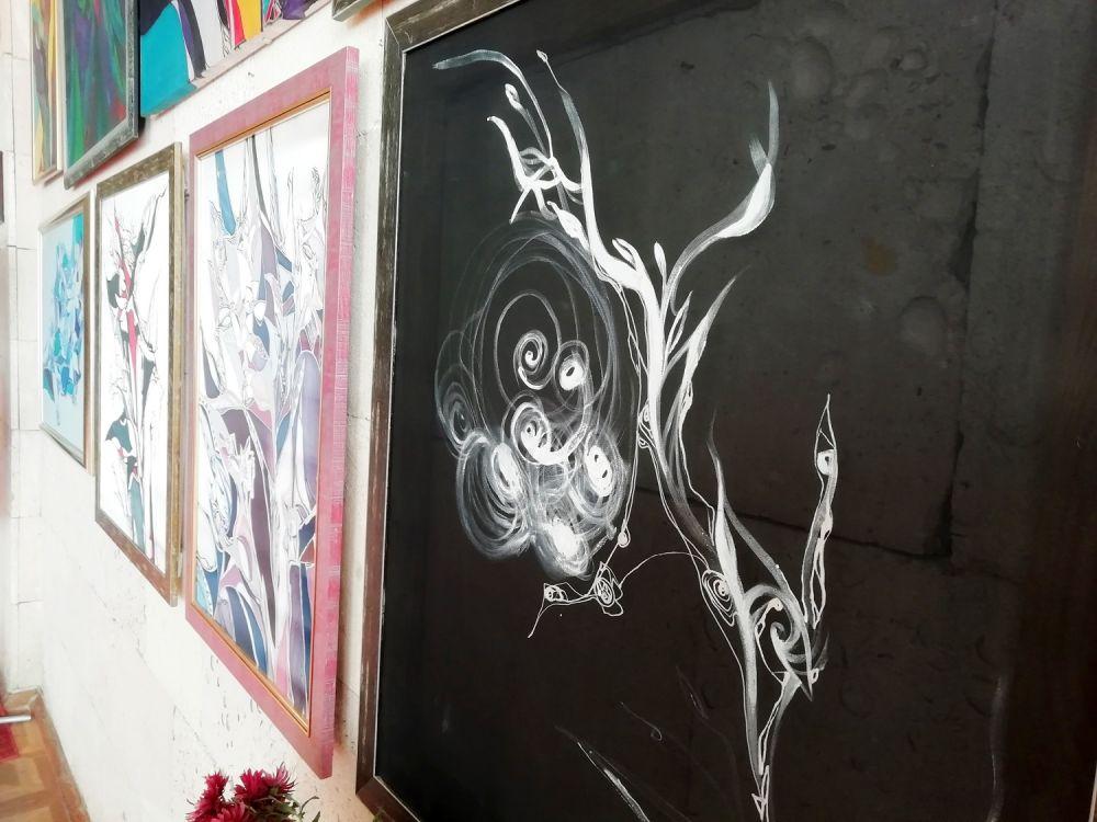 У Полтаві відкрили виставку безіменних картин, що говорять самі за себе