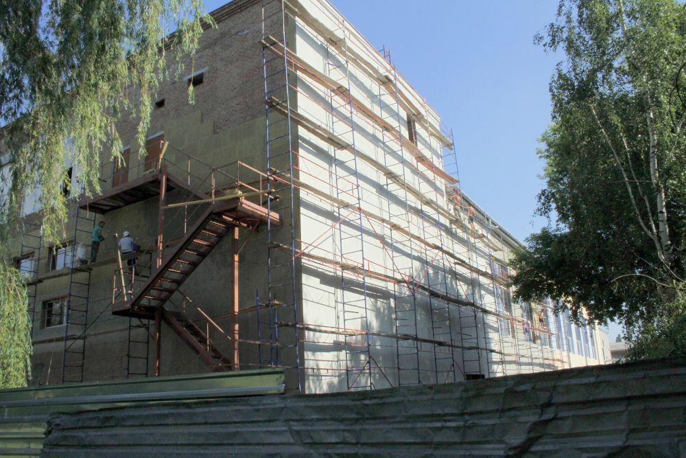 Будівництво станом на середину літа